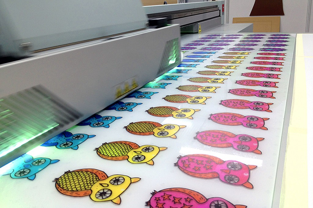 UV-Acrylic-printing-metal-stainless-steel-glass-leather- ...